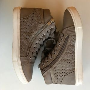 Steve Madden high top sneakers tan